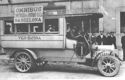 Buses begin to replace the measures in passenger transport. The model of the image data of 1908.