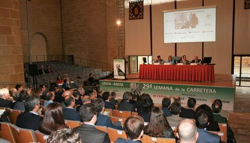 Die andalusische treibt die nationale Debatte über effiziente Mobilität im Straßenverkehr und Innovation